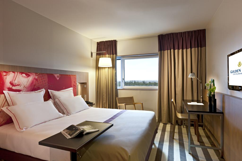 construction de l hotel golden tulip 4 parc. Black Bedroom Furniture Sets. Home Design Ideas